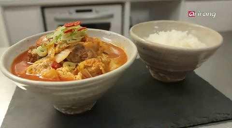 돼지고기 토마토 김치찌개